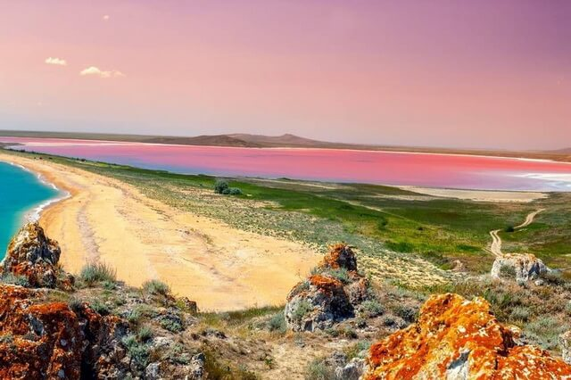 Кояшское розовое озеро в Крыму - фото, описание, интересные факты
