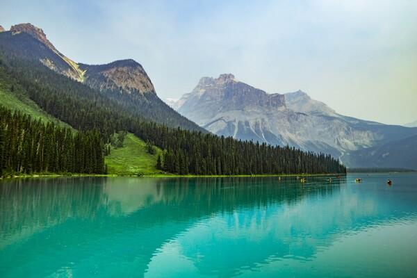 Красивые озёра Канады с фото и описанием - Озеро Эмералд (Изумрудное)
