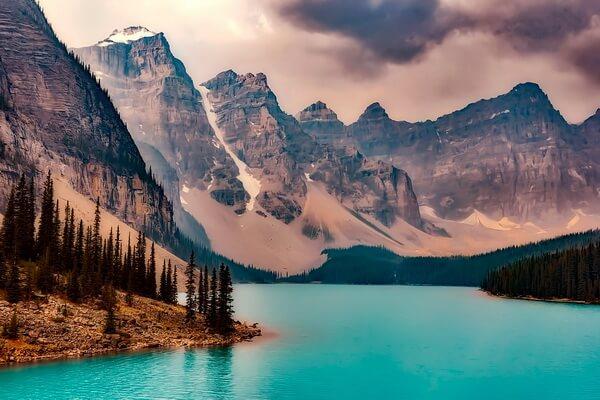 Самые красивые озёра Канады с фото и описанием - Озеро Морейн