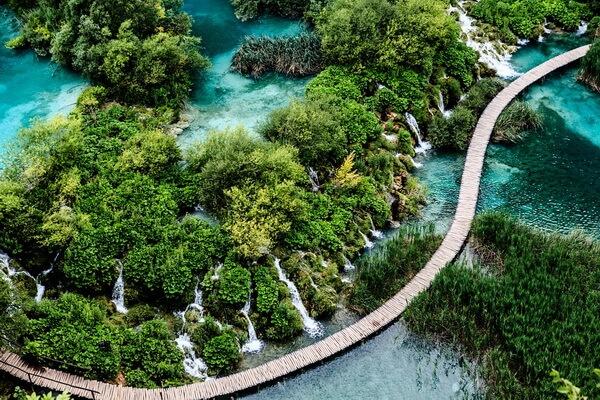 Экскурсии в национальный парк Плитвицкие озёра в Хорватии