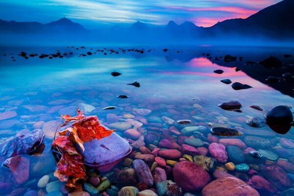 Озеро Макдональд в национальном парке Глейшер в США
