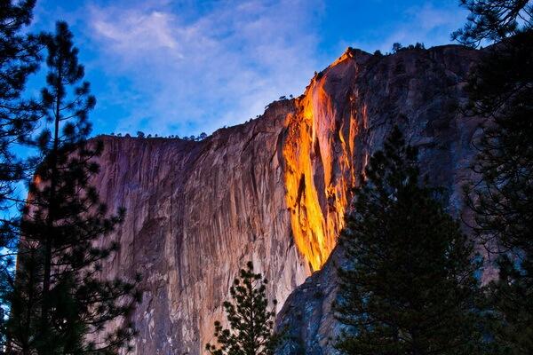 Водопад Лошадиный Хвост в парке Йосемити