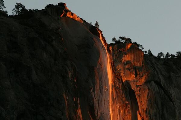 Огненный водопад Лошадиный Хвост - красивые фото
