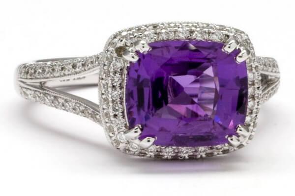 Минералы фиолетового цвета с фото и описанием - Пурпурный сапфир