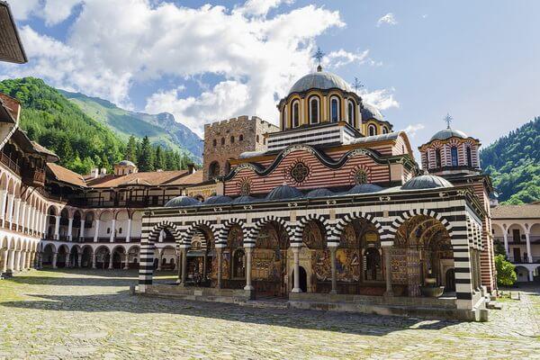 Монастыри Болгарии с фото и описанием - Рильский монастырь
