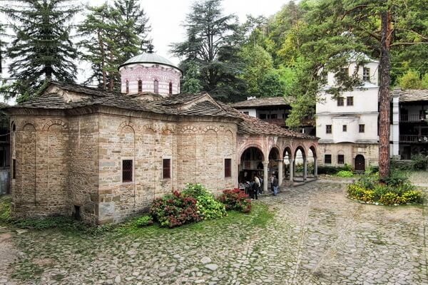 Монастыри Болгарии с фото и описанием - Троянский монастырь