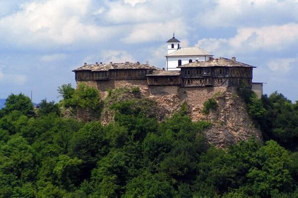 Монастыри Болгарии с фото и описанием - Гложенский монастырь