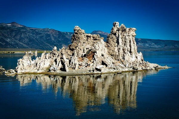 Озеро Моно в США - красивые фото