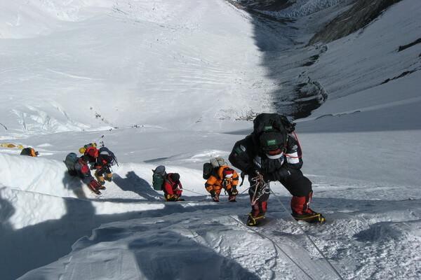 Самые опасные горы мира - Эверест