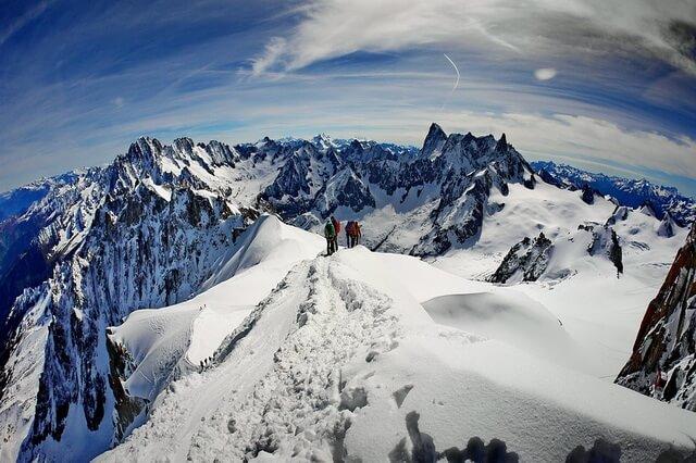 ТОП-10 самых опасных гор мира