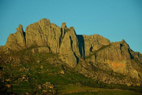 Имариволанитра или Пик Бобби - вторая по высоте гора Мадагаскара