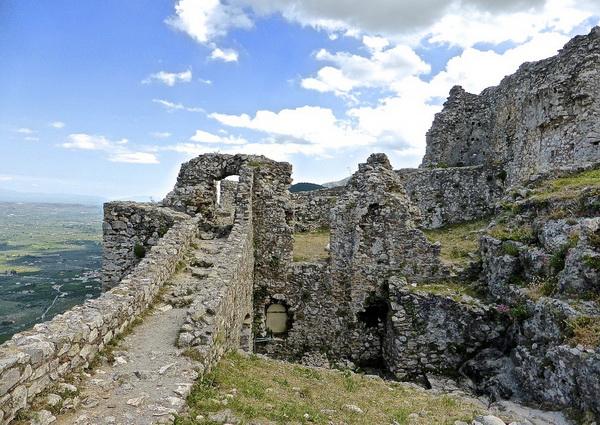 Средневековая крепость Мистры в Греции