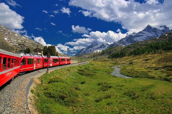 Путешествие на поезде по Европе - самые красивые жд маршруты с фото и описанием - «Ледниковый экспресс» в Швейцарии