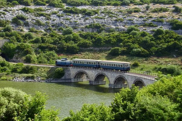 Путешествие на поезде по Европе - самые красивые жд маршруты с фото и описанием - «Зелёный поезд», Сардиния