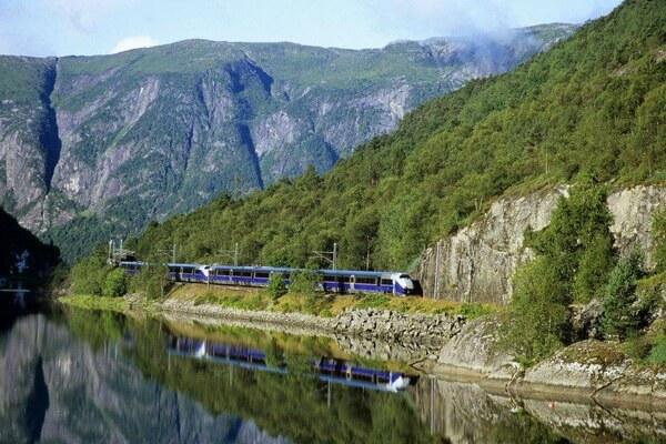 Путешествие на поезде по Европе - самые красивые жд маршруты с фото и описанием - Ж/д Бергена, Норвегия