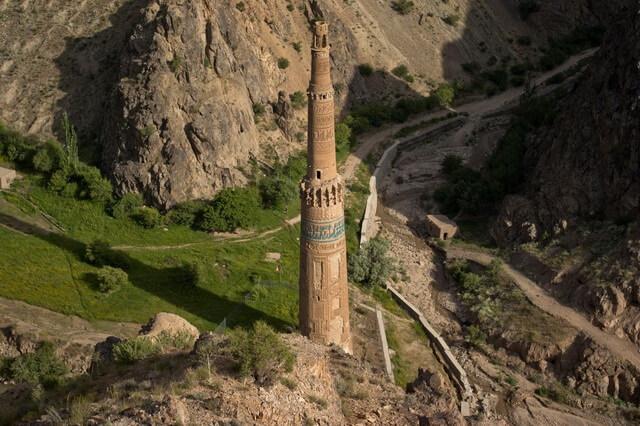 Джамский минарет и Бамианские статуи Будды - наследие ЮНЕСКО в Афганистане
