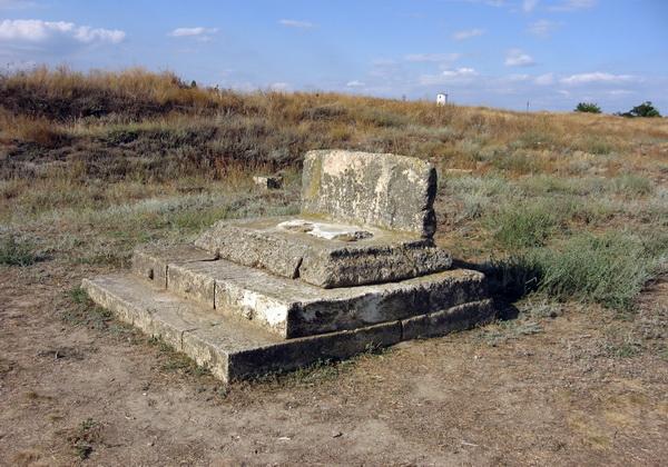 Руины храмов древней Ольвии