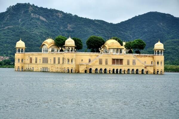 Архитектура Джал-Махал
