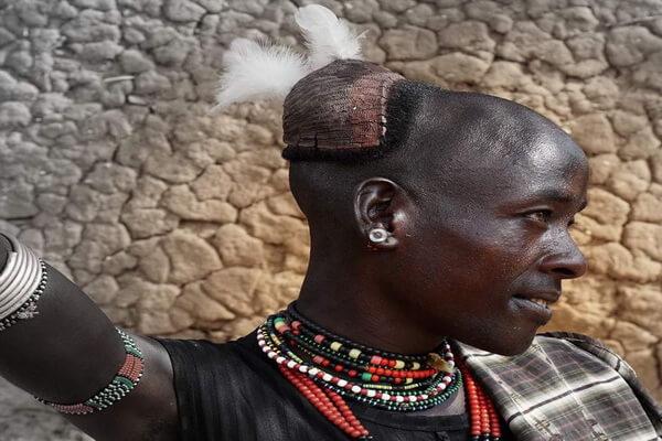 Мужчины племя хамер в Эфиопии