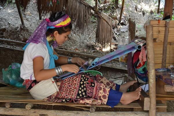 Быт племени падаунг