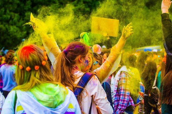 Традиции, обычаи и ритуалы праздника Холи