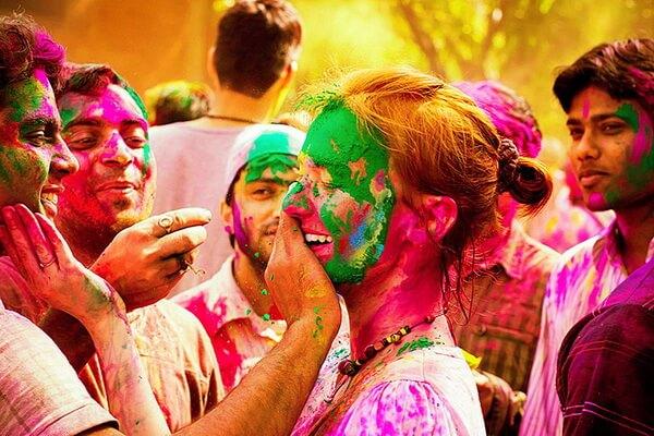Традиции и особенности празднования фестиваля красок Холи