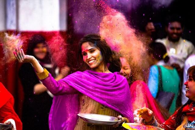 Холи или Фестиваль красок - история, легенды, ритуалы и традиции