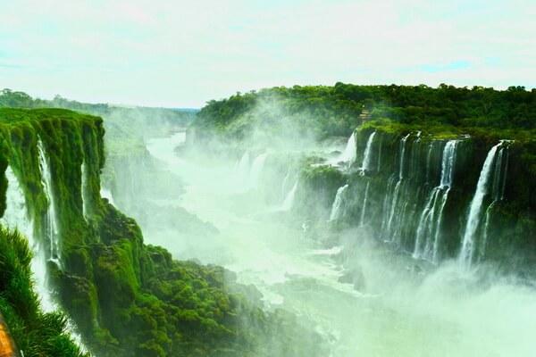 Природные достопримечательности Бразилии с фото и описанием - Водопады Игуасу