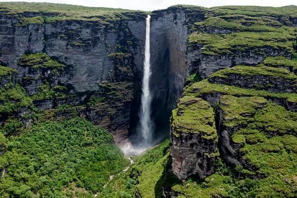 Природные достопримечательности Бразилии с фото и описанием - Кашуэйра-ду-Фумака (Дымчатый водопад)