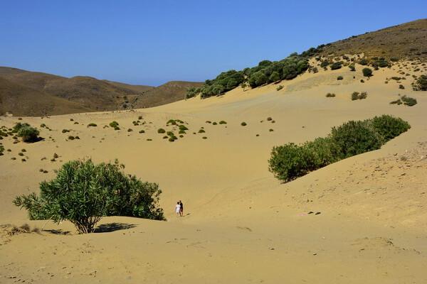 Природные достопримечательности Греции с фото и описанием - Пустыня Гомати или песчаные дюны Pachies Ammoudies