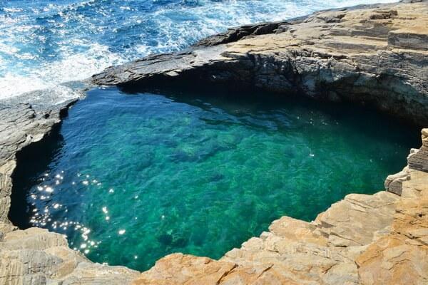 Природные достопримечательности Греции с фото и описанием - Природный бассейн Гиола