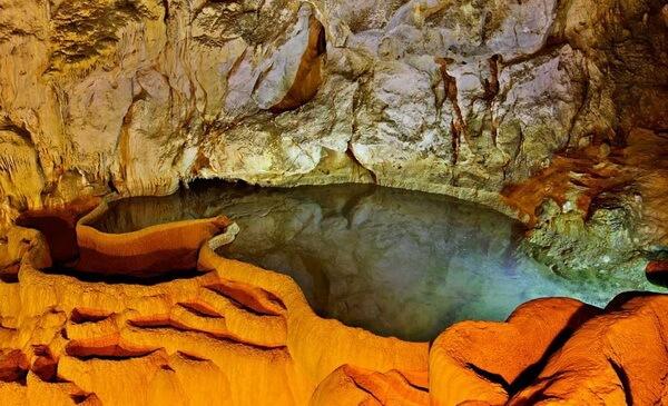 Пещеры Диру в Греции