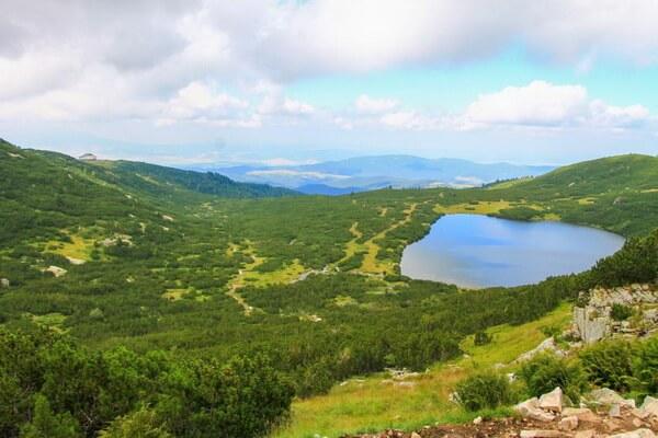 Семь Рильских озёр Болгарии с фото и названиями - Долното или Нижнее озеро