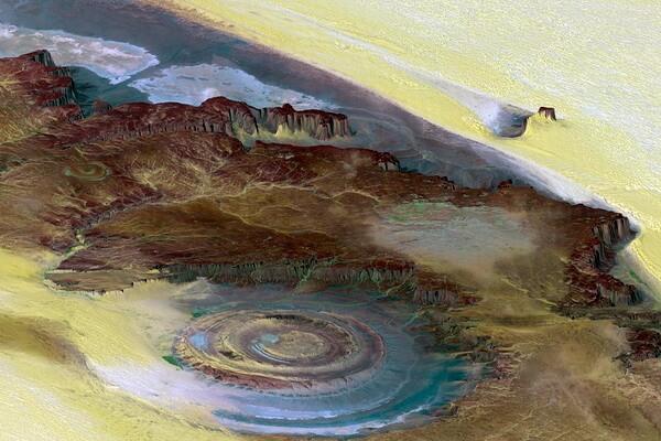 Геологическая структура Ришат в пустыне Сахара в Мавритании