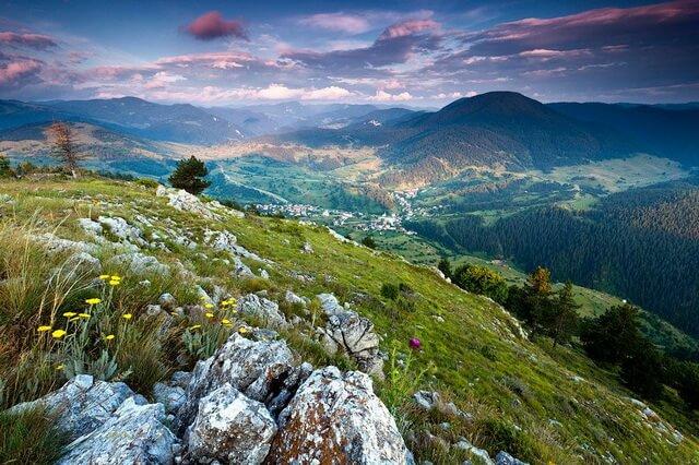 Родопские горы в Болгарии и их основные достопримечательности