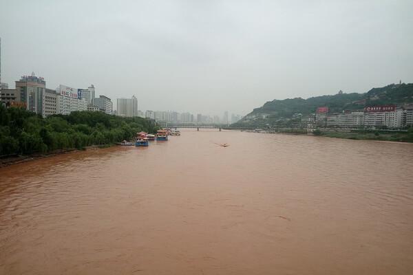 Самые длинные реки Азии с фото и описанием - Хуанхэ или Жёлтая река (5464 км)