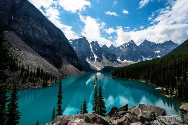 Самые красивые долины с фото и описанием - Долина Десяти Пиков в Канаде