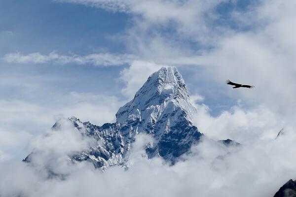 Самые красивые горы в мире с фото и описанием - Ама-Даблам в Непале