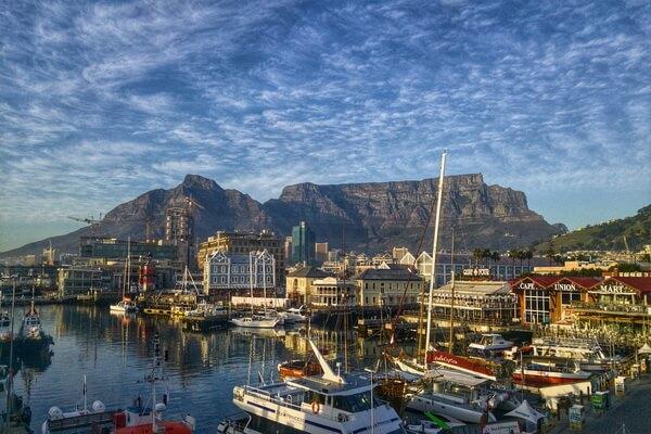 Самые красивые горы в мире с фото и описанием - Столовая гора в ЮАР