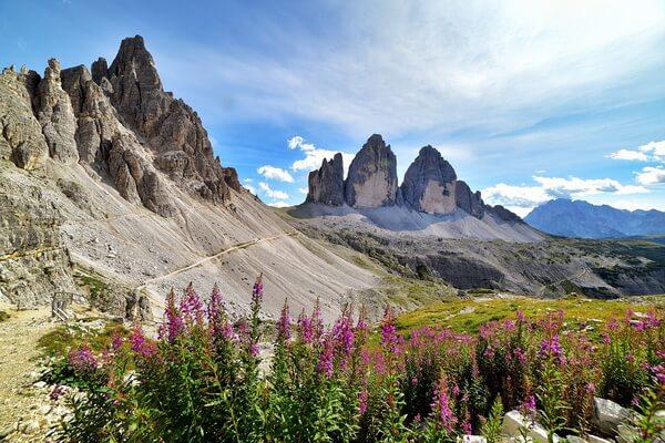 Самые красивые горы в мире с фото и описанием - Тре-Чиме-ди-Лаваредо в Италии