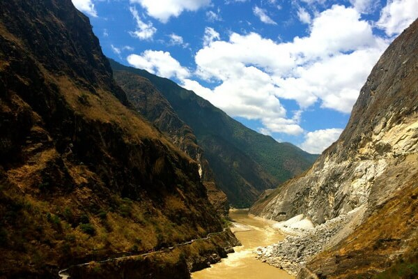 Самые красивые ущелья мира - Ущелья Прыгающего Тигра в Китае