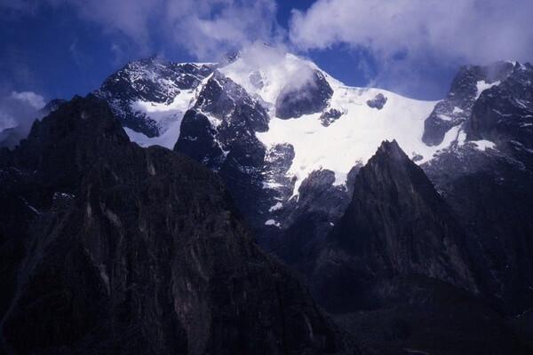Самые высокие горы в Африке с фото и описанием - Гора Стэнли (Рувензори)