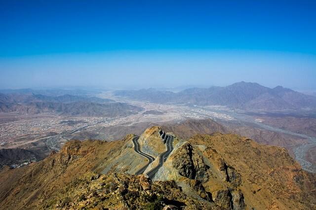 Самые высокие горы Саудовской Аравии - названия и описание