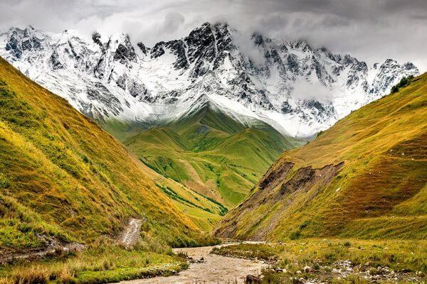 Шхара - третья самая высокая вершина Кавказа