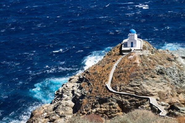 Достопримечательности острова Сифнос в Греции