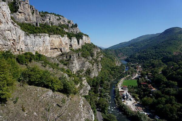 Скалы Болгарии с фото и описанием - Ущелье реки Искар и скалы Ритлайт