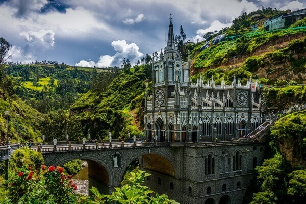 Легенды про собор Лас-Лахас в Колумбии