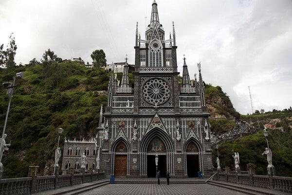 Церковь Лас-Лахас в Колумбии - красивые фото