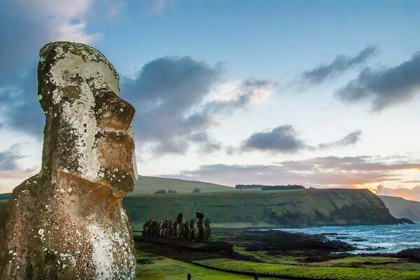 Загадки статуй моаи на острове Пасхи