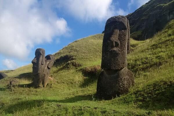 Статуи моаи на острове Пасхи - интересные факты